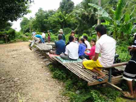 Le Bamboo_train Bambou_train_ou_Train_Bamboo_Battambang